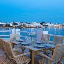 Evita Apartments in Paros