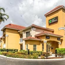 Extended Stay America - Miami - Airport - Blue Lagoon in Miami