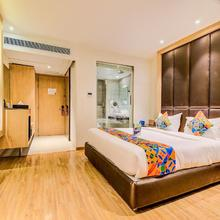 Fabhotel V Hotel Hazratganj in Lucknow