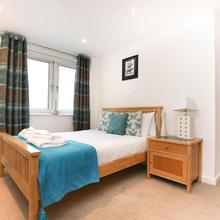 Week2week Fabulous Newcastle City Centre Apartment in Newcastle Upon Tyne