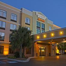 Fairfield Inn & Suites By Marriott Charleston Airport/convention Center in Charleston