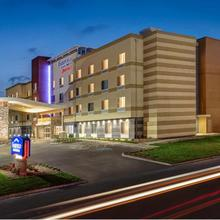 Fairfield Inn & Suites By Marriott Columbus Airport in Columbus
