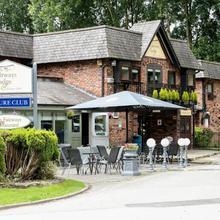 Fairways Lodge & Leisure Club in Manchester