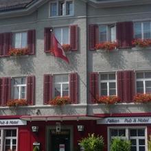 Falken Pub & Motel in Altikon