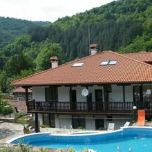 Family Hotel Chiflik Hills in Balkanets