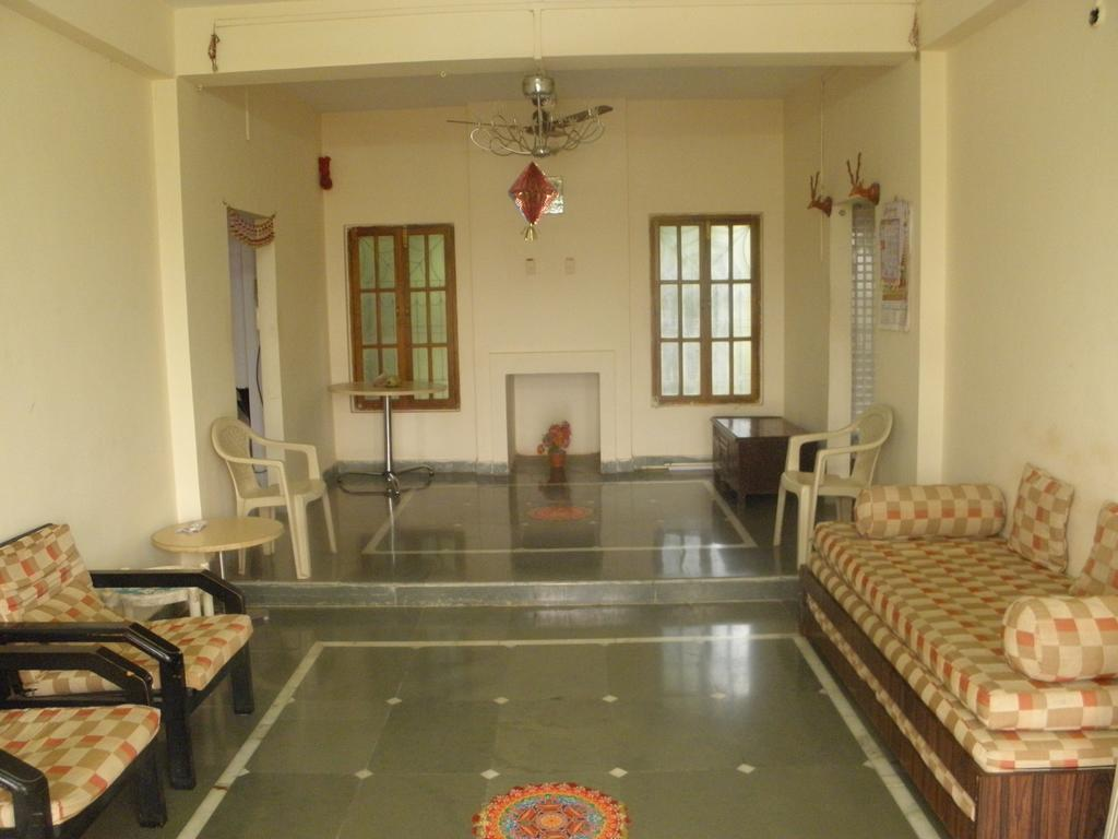 Farmhouse on rent in Khed