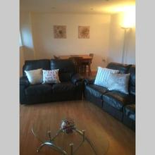 Feel @ Home Cosy Spacious Two Bed in Newcastle Upon Tyne