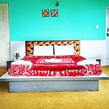 Floret Hotel & Resorts in Uttarey