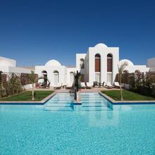 Fort Arabesque Resort, Spa & Villas in Al Ghardaqah