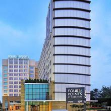 Four Points By Sheraton Hotel And Serviced Apartments in Mundhva
