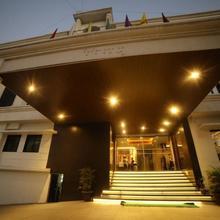 Four Season Recreation Hotel And Spa in Jalgaon