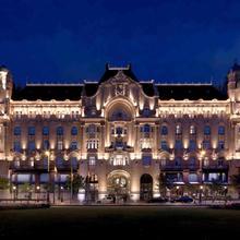 Four Seasons Hotel Gresham Palace Budapest in Budapest