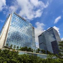 Four Seasons Hotel Shenzhen in Shenzhen