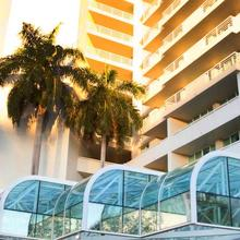Gallery ONE - A DoubleTree Suites by Hilton Hotel in Fort Lauderdale