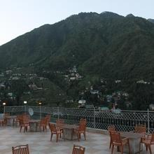 Hotel Gandhi's Paradise in Badhun