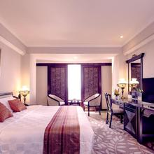 Garden Palace Hotel in Surabaya