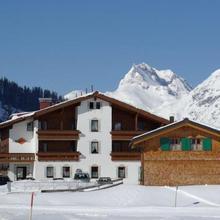 Gasthaus & Pension Alphorn in Sankt Anton Am Arlberg