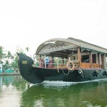Genesis Houseboats in Talavadi