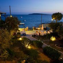 George's Apartments in Paros