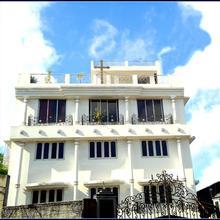 Georgian Inn in Alipore