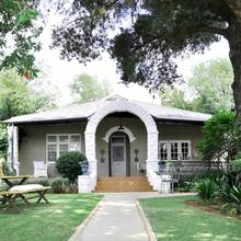 Ginnegaap Guesthouse in Johannesburg