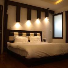 Gk Resorts in Kangra