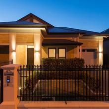 Glenelg Central Living in Adelaide