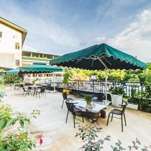 Global Village River View Hostel in Guilin