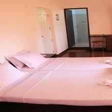 Globe Trotting Holidays Inn in Meppadi