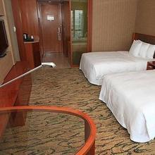 Gloria Grand Hotel Wuxi in Wuxi