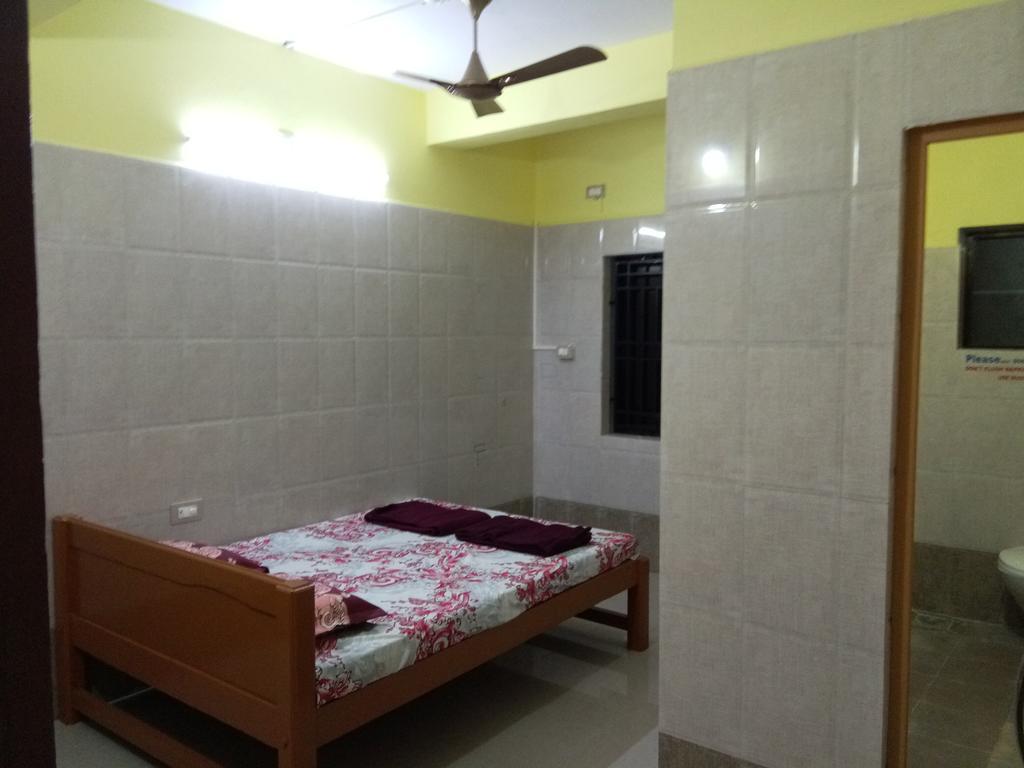 Gokarn City Top Room Stay in Mirjan