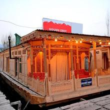 Golden Crest Group Of House Boat in Srinagar