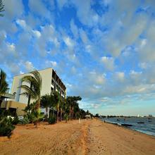 Golden Dragon Beach Pattaya in Pattaya