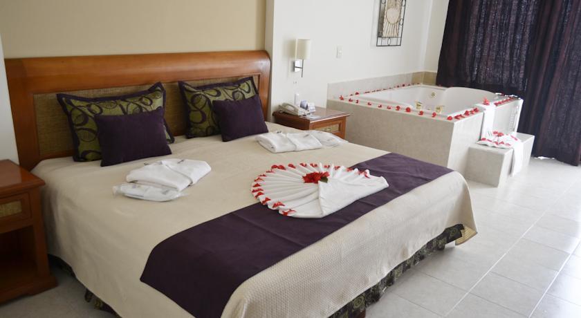 Golden Parnassus Resort & Spa - All Inclusive in Cancun