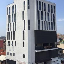 Golden Pier City Hotel in Colombo