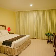 Golden Sea Hotel & Casino in Kampong Saom