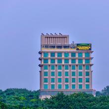 Goldfinch Hotel Delhi Ncr in Dera Mandi