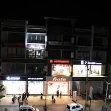 Good Night Rest House (dormitory)- A.c. in Bhavnagar