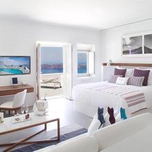 Grace Hotel Santorini, Auberge Resorts Collection in Thira