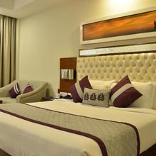 Grand Hira Resort Neemrana in Shahjahanpur