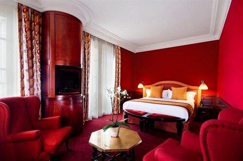Grand Hotel de l'Opera in Flourens