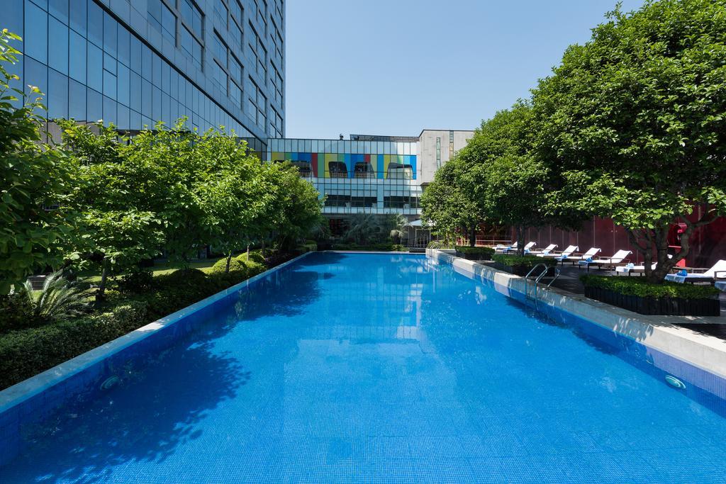 Grand Mercure Shanghai Century Park (Formerly Radisson Blu Hotel Pudong Century Park) in Shanghai