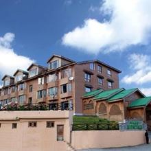 Grand Mumtaz Resorts,Gulmarg in Kunzer