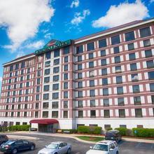Grand Plaza Hotel Branson in Branson