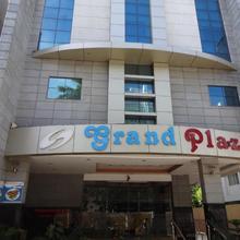 Grand Plazza in Othakalmandapam