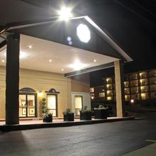 Grand View Inn & Suites in Branson