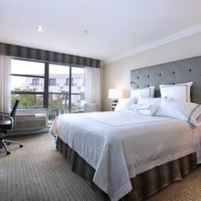 Granville Island Hotel in Vancouver