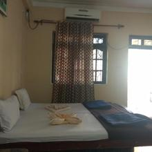 Great Value One Bedroom In Candolim in Candolim