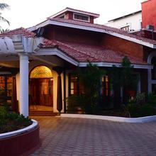 Green Coconut Resort in Chennai