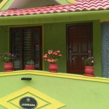 Green Country Economy Triple-a Family Home Stay in Suntikoppa